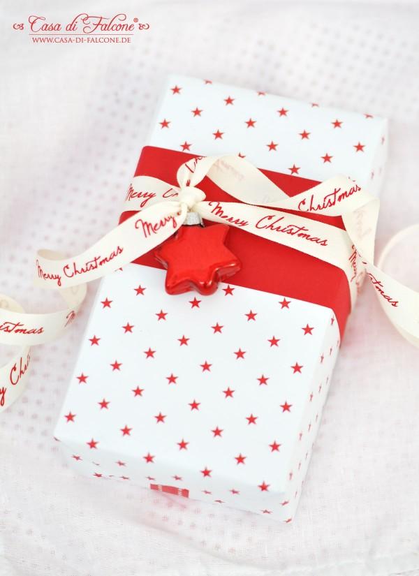 weihnachtliche Verpackung in rot-weiss I Geschenkverpackung I hübsch verpackt I Casa di Falcone