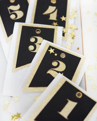 Adventskalender No. 23 – schwarz-gold & weiss