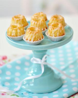 Zitronen-Mini-Gugelhupf